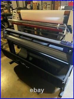 Titan 3 Vinyl Plotter/Cutter w ARMS contour cutting w VinylMaster CUT Software